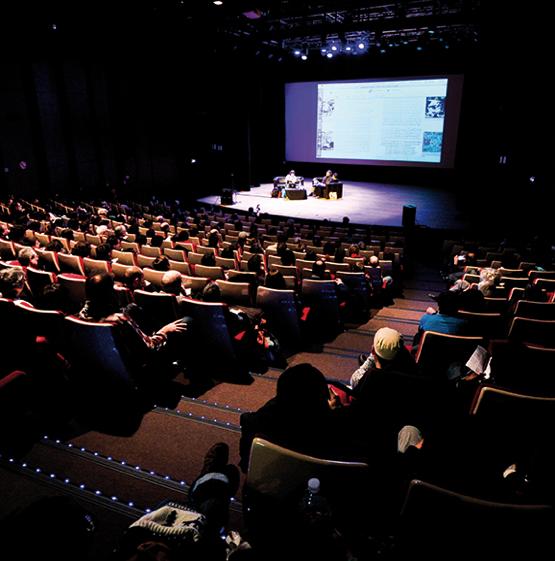 在第45届昂古莱姆国际漫画节上成功完成口译任务